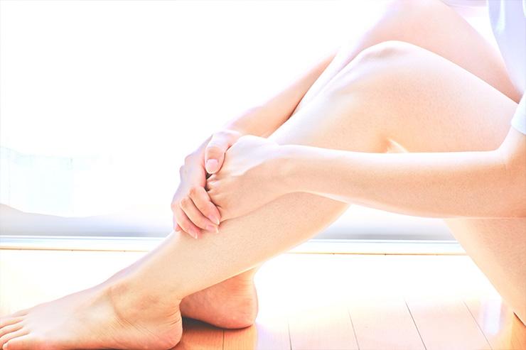 産後の足のむくみはいつまで続く?原因と効果的な予防・改善方法をご紹介